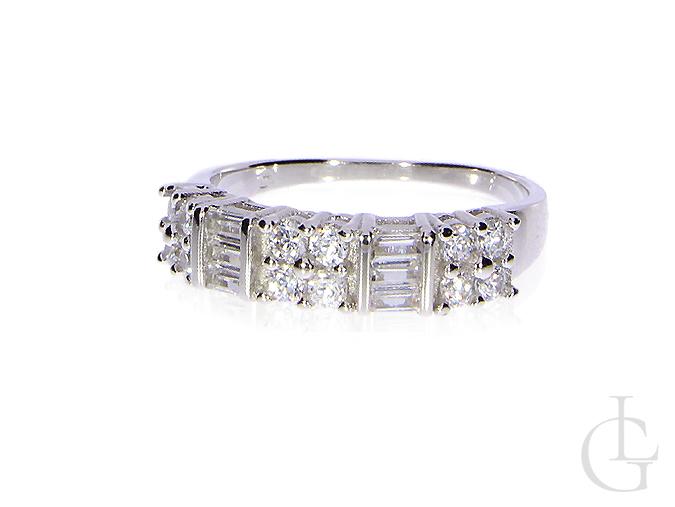 cb3fd6f2771692 pierścionek srebrny rodowane cyrkonie kształt obrączki srebro 0.925 nowe  wzory pierścionków srebrnych