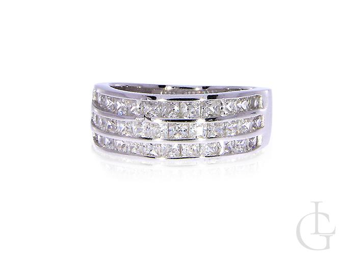 7c514da4041839 Szeroka obrączka pierścionek cyrkonie trzy rzędy srebro rodowane ...