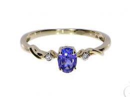 pierścionek złoty zaręczynowy z tanzanitem tanzanit  brylantami diamentami brylant diament zaręczyny złoto żółte 14K 0.585 pierścionek na palcu w pudełku realne zdjęcie zdjęcia pierścionek zaręczynowy na rocznicę pamiątkę mikołaja pod choinkę prezent dla
