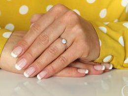 pierścionek srebrny klasyczny wzór cyrkonie pierścionki srebrne realne zdjęcie na palcu dłoni na prezent urodziny imieniny pod choinkę na prezent dla dziewczyny żony