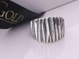 pierścionek srebrny szeroki obrączka srebro oksydowane duży pierścionki srebrne realne zdjęcie na palcu dłoni na prezent urodziny imieniny pod choinkę na prezent dla dziewczyny żony