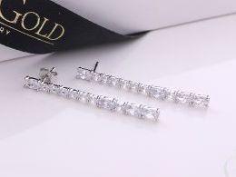 kolczyki srebrne sztywne cyrkonie sztyft srebro realne zdjęcia na modelce uchu kolczyki srebrne na prezent dla żony dziewczyny urodziny imieniny rocznicę pakowanie na prezent