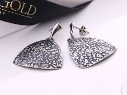 kolczyki srebrne wiszące srebro oksydowane realne zdjęcia na modelce uchu kolczyki srebrne na prezent dla żony dziewczyny urodziny imieniny rocznicę pakowanie na prezent