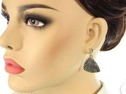 srebrne wiszące srebro oksydowane realne zdjęcia na modelce uchu kolczyki srebrne na prezent dla żony dziewczyny urodziny imieniny rocznicę pakowanie na prezent