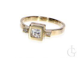 pierścionek zaręczynowy złoty korona kw