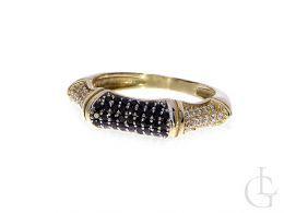złoty pierścionek damski nowoczesny wzór czarne i klasyczne cyrkonie złoto 0.585