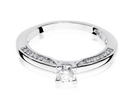 pierścionek zaręczynowy z białego złota z brylantami