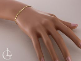 bransoletka damska na nadgarstku delikatny i zmysłowy wzór złoto żółte złoto białe diamentowanie bransoletki złote damskie na prezent