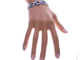 bransoletka srebrna damska szeroka z opalem niebieskim błękitnym na ręce modelce realne zdjęcie zdjęcia prezent dla żony dziewczyny na urodziny imieniny rocznicę upominek pod choinkę na walentynki różne wzory bransoletek srebrnych damskich