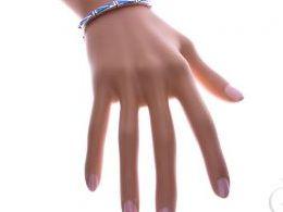 bransoletka srebrna damska z opalem niebieskim opal niebieski szeroka na ręce modelce realne zdjęcie zdjęcia prezent dla żony dziewczyny na urodziny imieniny rocznicę upominek pod choinkę na walentynki różne wzory bransoletek srebrnych damskich