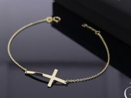 bransoletka złota z krzyżykiem krzyżyk łańcuszek złoto żółte bransoletka na ręce nadgarstku realne zdjęcia bransoletki złote na prezent