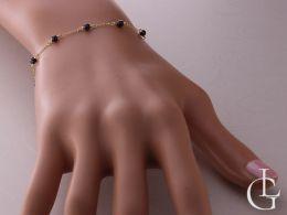 bransoletka złota różaniec z krzyżykiem kółeczkiem cyrkonie czarne łańcuszek bransoletka łańcuszkowa realne zdjęcie bransoletka na ręce na nadgarstku bransoletki łańcuszkowe ozdobne na prezent