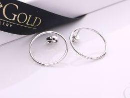 kolczyki srebrne kółka koła sztyft wkręty  srebro realne zdjęcia na modelce uchu kolczyki srebrne na prezent dla żony dziewczyny urodziny imieniny rocznicę pakowanie na prezent