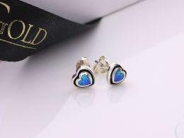 serce serca serduszka srebrne kolczyki srebrne z opalem niebieskim błękitnym opal sztyft zapięcie srebro realne zdjęcia na modelce uchu kolczyki srebrne na prezent dla żony dziewczyny urodziny imieniny rocznicę pakowanie na prezent