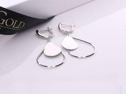 kolczyki srebrne wiszące długie angielskie zapięcie srebro realne zdjęcia na modelce uchu kolczyki srebrne na prezent dla żony dziewczyny urodziny imieniny rocznicę pakowanie na prezent