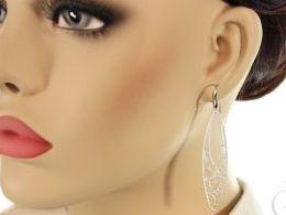 kolczyki srebrne wiszące ażurowe otwarte zapięcie srebro realne zdjęcia na modelce uchu kolczyki srebrne na prezent dla żony dziewczyny urodziny imieniny rocznicę pakowanie na prezent