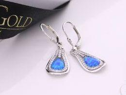 kolczyki srebrne z opalem niebieskim błękitnym opal wiszące cyrkonie srebro realne zdjęcia na modelce uchu kolczyki srebrne na prezent dla żony dziewczyny urodziny imieniny rocznicę pakowanie na prezent