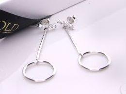 kolczyki srebrne wiszące długie kółka cyrkonie sztyft srebro realne zdjęcia na modelce uchu kolczyki srebrne na prezent dla żony dziewczyny urodziny imieniny rocznicę pakowanie na prezent