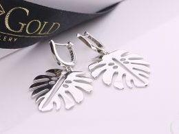 kolczyki srebrne angielskie zapięcie listki liście liść klonu srebro realne zdjęcia na modelce uchu kolczyki srebrne na prezent dla żony dziewczyny urodziny imieniny rocznicę pakowanie na prezent
