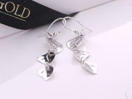 kolczyki srebrne wiszące listki srebro realne zdjęcia na modelce uchu kolczyki srebrne na prezent dla żony dziewczyny urodziny imieniny rocznicę pakowanie na prezent