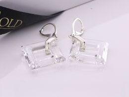 kolczyki srebrne Swarovski kryształy wiszące srebro realne zdjęcia na modelce uchu kolczyki srebrne na prezent dla żony dziewczyny urodziny imieniny rocznicę pakowanie na prezent