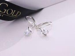 kolczyki srebrne wiszące z cyrkoniami realne zdjęcia na modelce uchu kolczyki srebrne na prezent dla żony dziewczyny urodziny imieniny rocznicę pakowanie na prezent