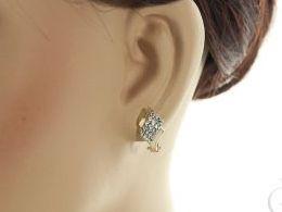 złote kolczyki diamentowane na angielskie zapięcie na uchu realne zdjęcie zdjecia na modelce złoto żółte i białe próba 0.585 14ct