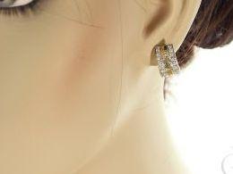 kolczyki złote złot żółte 14k 0.585cyrkonie angielskie zapięcie realne zdjęcia na modelce uchu kolczyki złote na prezent dla żony dziewczyny urodziny imieniny rocznicę pakowanie na prezent