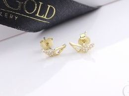 złote kolczyki skrzydła skrzydełka sztyft wkręty zapięcie złoto żółte i białe próba 0.585 prezent dla żony dziewczyny realne zdjęcie zdjęcia na uchu modelce