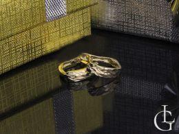 złote kolczyki przecinki angielskie zapięcie złoto 14K