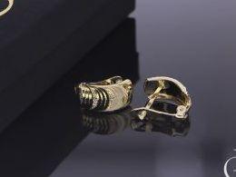 kolczyki złote złoto żółte 14k 0.585diamentowane angielskie zapięcie realne zdjęcia na modelce uchu kolczyki złote na prezent dla żony dziewczyny urodziny imieniny rocznicę pakowanie na prezent