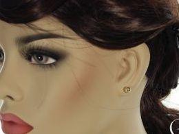 kolczyki złote złoto żółte 14k 0.585 kulki kuleczki na sztyft wkręty realne zdjęcia na modelce uchu kolczyki złote na prezent dla żony dziewczyny urodziny imieniny rocznicę pakowanie na prezent