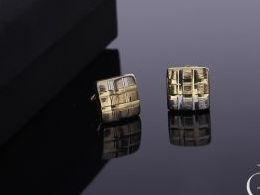 kolczyki złote złoto żółte 14k 0.585 diamentowane kwadrat kwadraty diamentowane realne zdjęcia na modelce uchu kolczyki złote na prezent dla żony dziewczyny urodziny imieniny rocznicę pakowanie na prezent