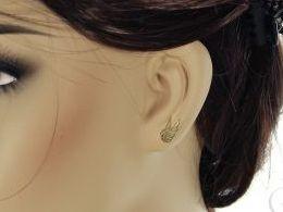 kolczyki złote złoto żółte 14k 0.585 skrzydła skrzydełka anioła zapięcie sztyft wkręty realne zdjęcia na modelce uchu kolczyki złote na prezent dla żony dziewczyny urodziny imieniny rocznicę pakowanie na prezent