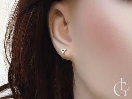 kolczyki złote delikatne trójkąty na uchu realne zdjęcie trójkąt na wkręty sztyft złoto żółte złote kolczyki dziecięce damskie różne wzory na prezent