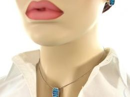komplet biżuterii srebrnej z opalem niebieskim błękitnym opal srebro realne zdjęcia wisiorka zawieszka na modelce uchu kolczyki srebrne na prezent dla żony dziewczyny urodziny imieniny rocznicę pakowanie na prezent