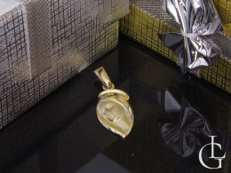 złoty medalik z Matką Boską na łańcuszek złoto żółte próba 0.585