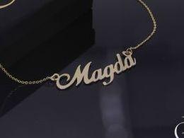 Magda naszyjnik złoty łańcuszek celebrytka z imieniem na łańcuszku realne zdjęcia zdjęcie na modelce szyi litery inicjały celebrytki złote na prezent dla żony dziewczyny rocznicę urodziny imieniny pod choinkę na pamiątkę złoto żółte próba 585 14 karatów K