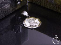 medalik srebrny z Matką Boską i Dzieciątkiem na łańcuszek srebro 0.925