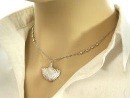 naszyjnik srebrny muszla muszelka kulki przywieszka zawieszka prezent dla żony dziewczyny na urodziny imieniny rocznicę pod choinkę realne zdjęcia na modelce szyi
