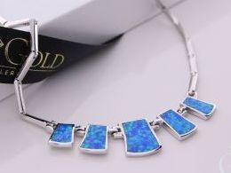 naszyjnik srebrny z opalem niebieskim opal niebieski kolia prezent dla żony dziewczyny na urodziny imieniny rocznicę pod choinkę realne zdjęcia na modelce szyi