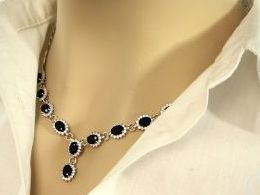naszyjnik srebrny ekskluzywny kolia czarne kamienie cyrkonie z cyrkonią cyrkonia realne zdjęcie zdjęcia na modelce szyi prezent dla żony zony dziewczyny na Mikołaja walentynki pod choinkę