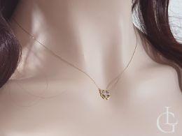 złoty naszyjnik celebrytka z czterolistną koniczyną brylantem brylantami diamentem diamentami złoto żółte próba 0.585 złote naszyjniki celebrytki