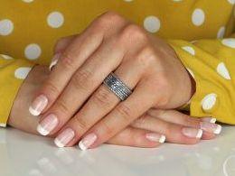pierścionek srebrny obrączka oksydowana szeroka pierścionki srebrne realne zdjęcie na palcu dłoni na prezent urodziny imieniny pod choinkę na prezent dla dziewczyny żony