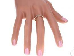 złota obrączka damska z cyrkoniami kolorowymi pierścionki złote na ręce dłoni realne zdjęcia