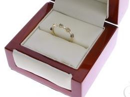 pierścionek złoty obrączka serduszka serce serca cyrkonie szeroki gruby złoto żółte 14K 0.585 pierścionek na palcu w pudełku realne zdjęcie zdjęcia pierścionek zaręczynowy na rocznicę pamiątkę mikołaja pod choinkę