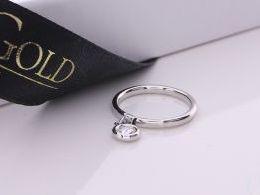 pierścionek srebrny przywieszka kółko z cyrkoniami cyrkonie pierścionki srebrne realne zdjęcie na palcu dłoni na prezent urodziny imieniny pod choinkę na prezent dla dziewczyny żony