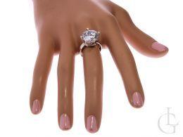 ekskluzywny pierścionek duży srebrny duża cyrkonia owalna srebro 0.925