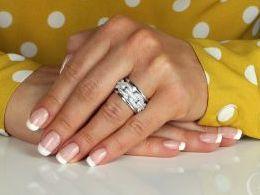 pierścionek srebrny obrączka szeroka ekskluzywna z cyrkoniami cyrkonie pierścionki srebrne realne zdjęcie na palcu dłoni na prezent urodziny imieniny pod choinkę na prezent dla dziewczyny żony
