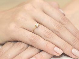złoty pierścionek zaręczynowy klasyczny z brylantem diamentem złoto żółte próba 0.585 pierścionki zaręczynowe klasyczne